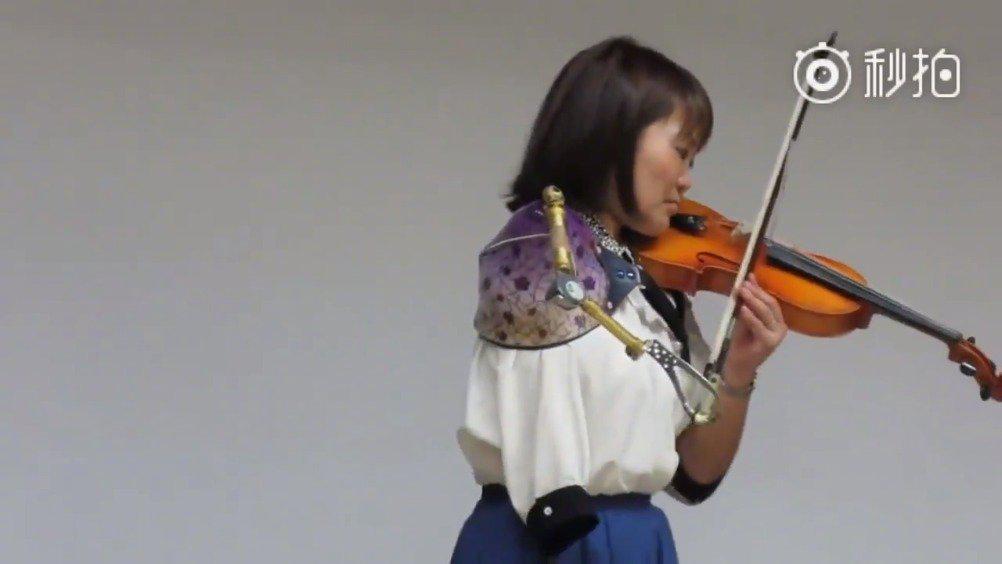 她是日本第一名假肢护士,她是独臂小提琴吹奏家…………
