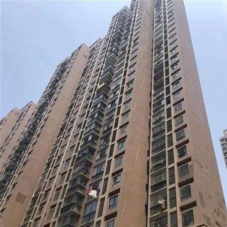 高楼瓷砖脱落如何追责?武汉拟对建筑物外立面管理立法