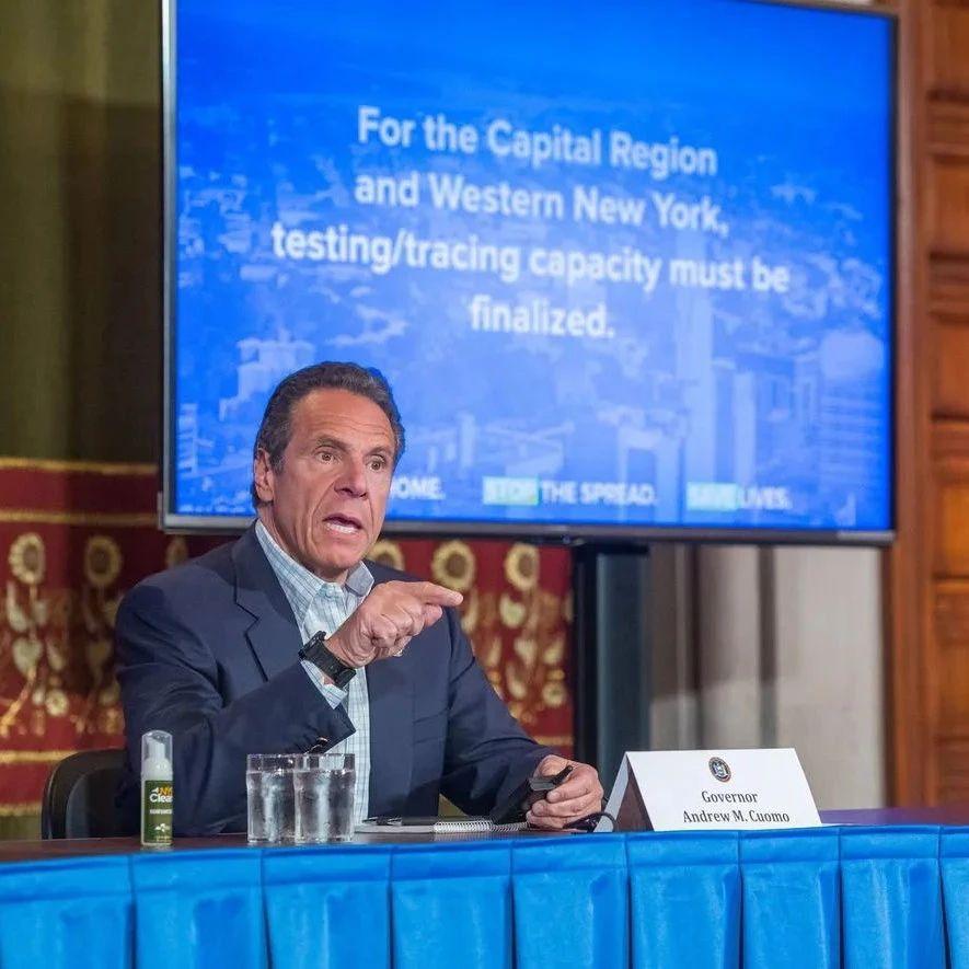纽约州州长的疫情发布会,得了艾美奖
