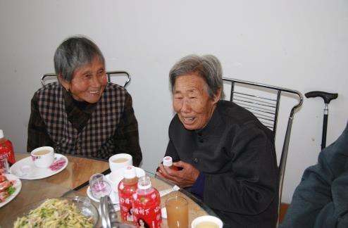 新庄村开展重阳节老人宴活动
