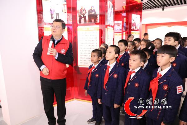 贺州市委书记李宏庆带头参加贺州市新时代文明实践中心志愿服务活动