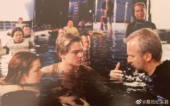 1997年,天才导演卡梅隆导演了电影《泰坦尼克号》…………