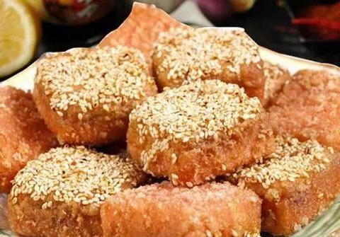 美食精选:香芋肉饼、香辣牛肉面、金银蒜蒸丝瓜