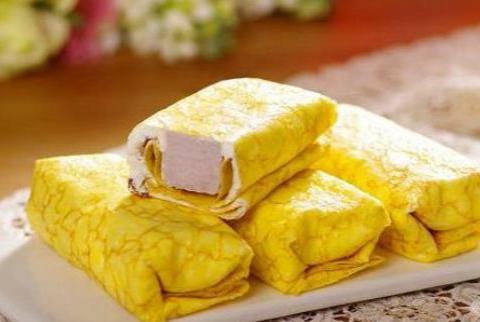 美食:香芋蛋卷,浇汁小鱿鱼,小炒素鸡洋葱
