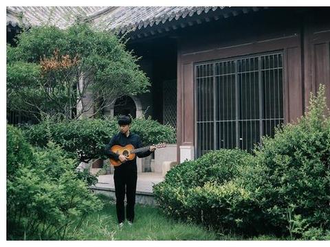 陈硕子《如果此生没有遇见你》:重拾青葱记忆,唱爱的浮想联翩
