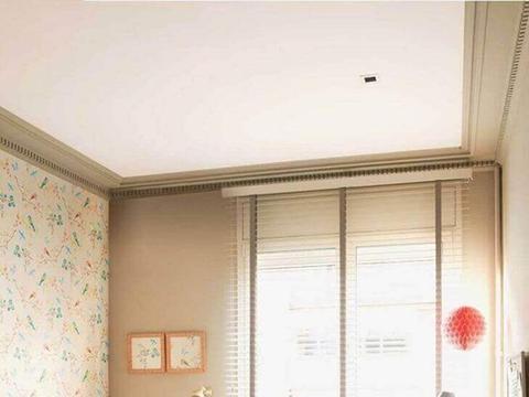 有远见的人小卧室不靠挤!床头柜书桌U型布局,一应俱全储物翻倍