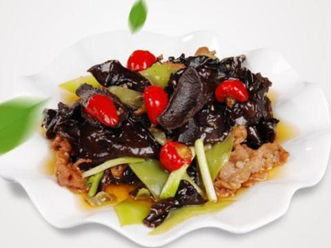 美食推荐:茄汁明太鱼,三椒黑木耳,椒麻鸡肾球