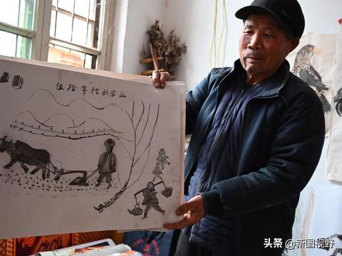 74岁农村老汉活出自我,把爱好发挥到极致,家里充满艺术气息