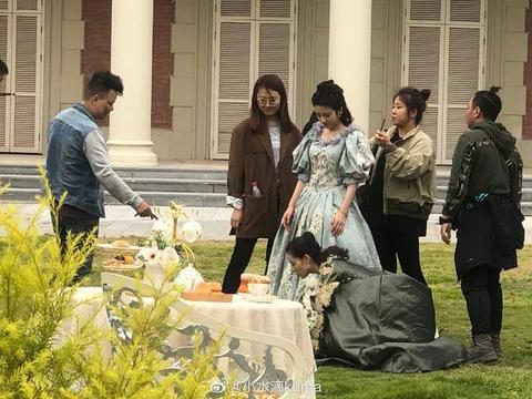 路人偶遇宋祖儿,简直就是《金粉世家》的刘亦菲,美人果然都相似