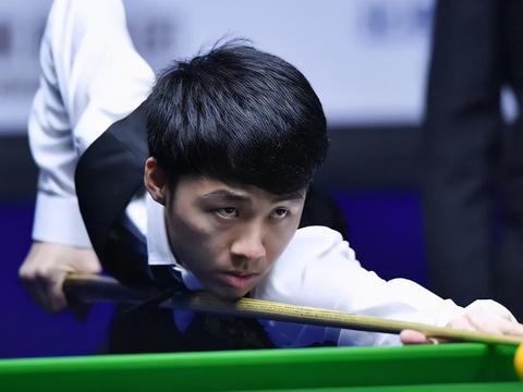 英锦赛首轮首个比赛日半场战报,徐思不战而胜,颜丙涛4-3领先