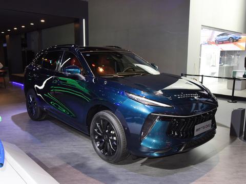 东风风行新款SUV,配大马力发动机,车标是王者和力量的象征