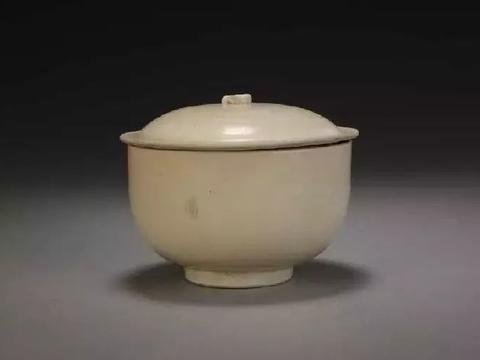宫廷用瓷,风靡一时的北宋定窑白瓷:历史发展与鉴别方法