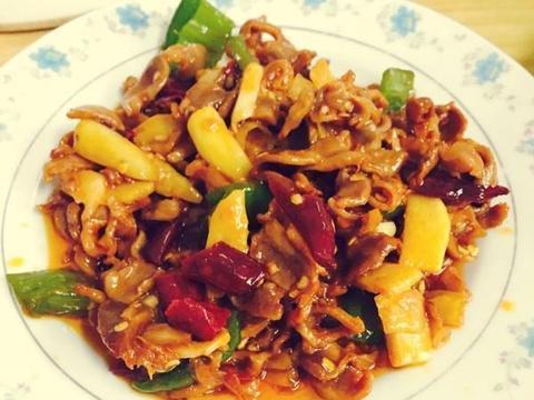 美食精选:泡椒鸡胗、蚝油海鲜菇、烂肉豇豆