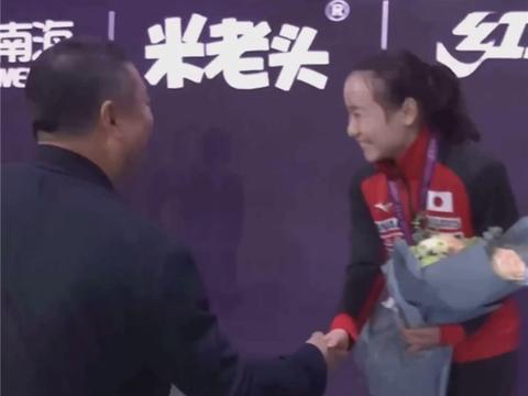 伊藤美诚被4-0打出阴影!回国主动向日本人夸国乒,不敢说大话了