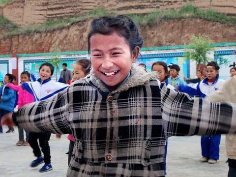 第20届中国平遥国际摄影展中华摄影报之《Smile福田助学》