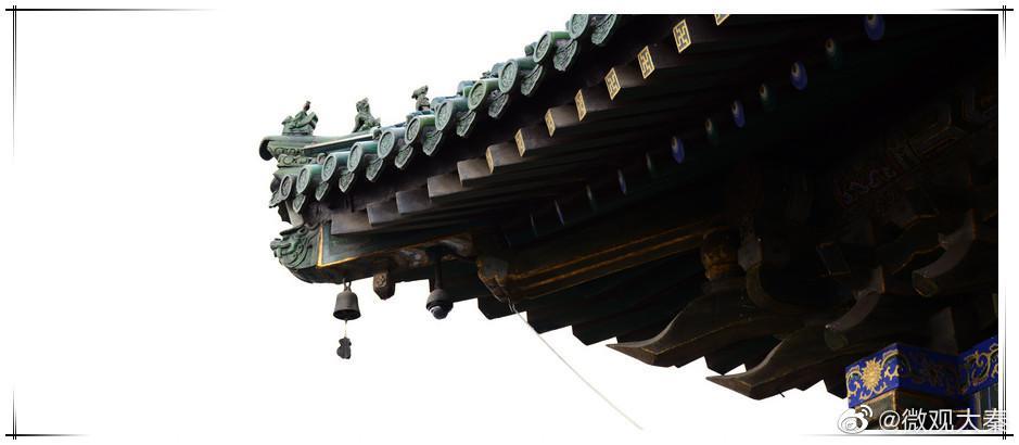 西安钟楼和鼓楼位于西安市中心,是西安的标志性建筑物…………