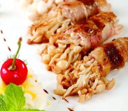 美食推荐:金针菇肥牛卷,甜皮烤鸭,黑椒香锅寸筋骨
