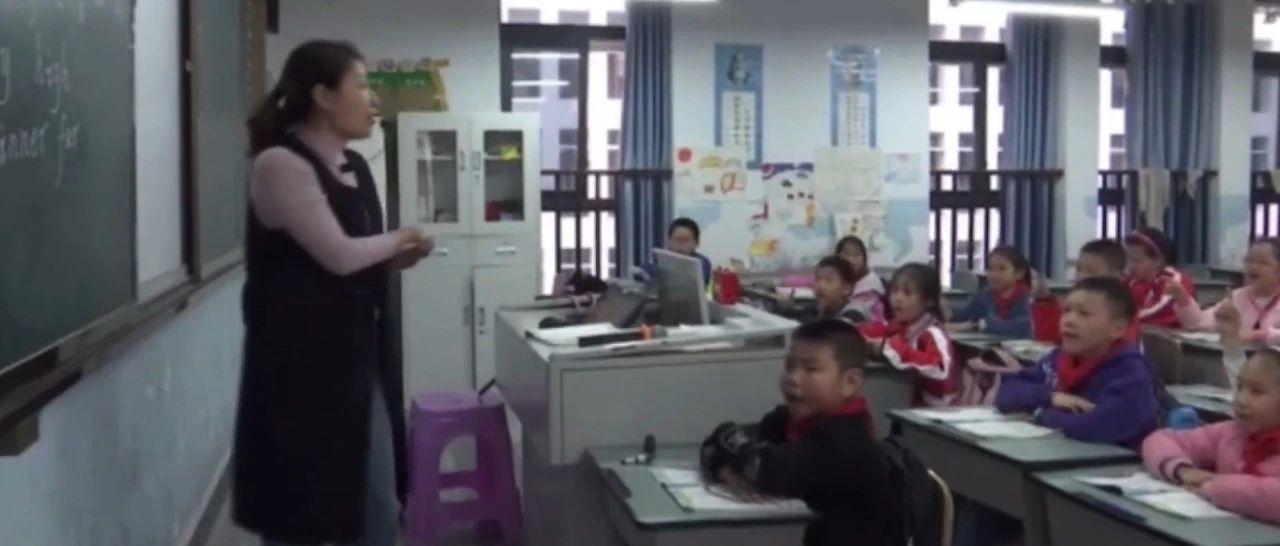 致敬这位女老师:没有手掌脚掌,但有一颗火红的心