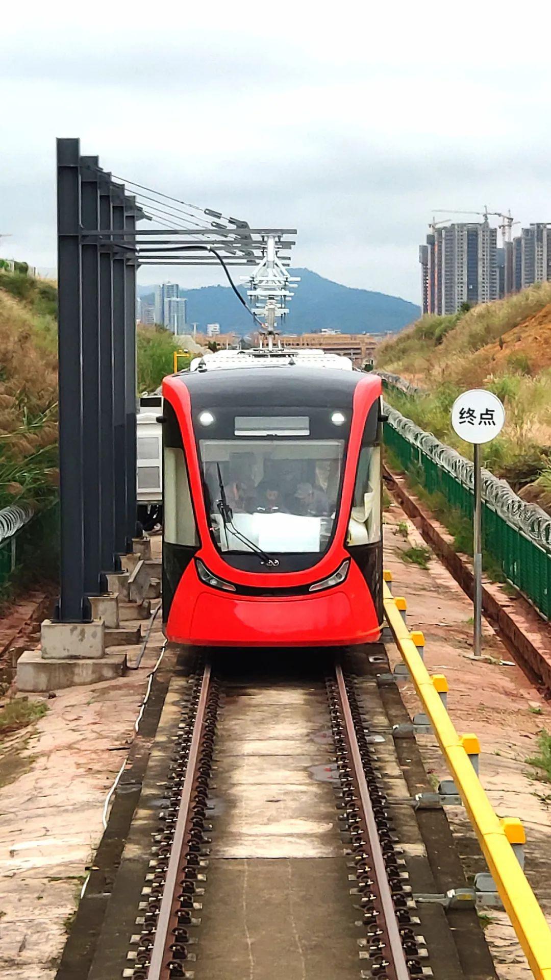 【关注】酷炫!首批云南制造现代有轨电车亮相文山,游普者黑更方便啦