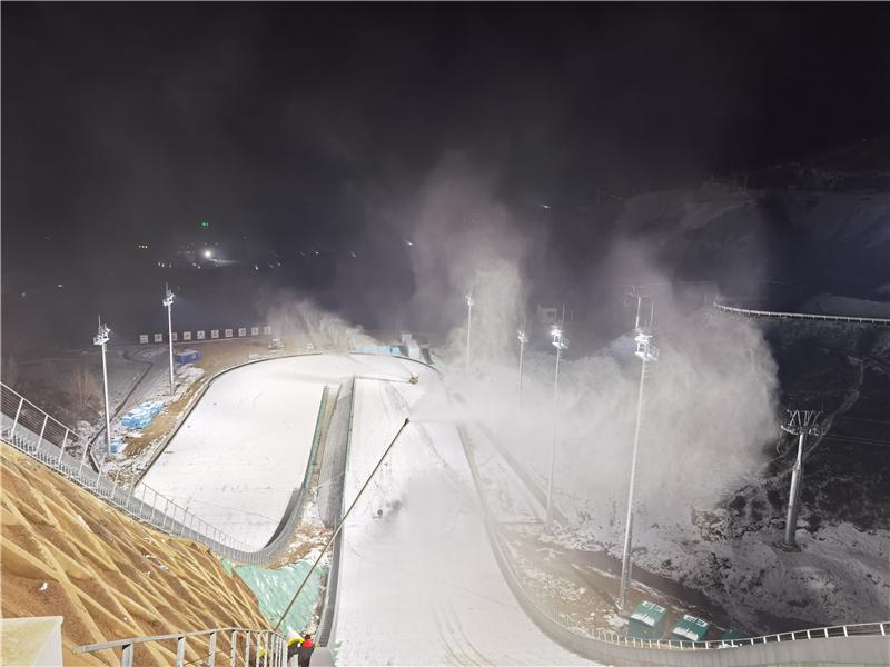 涞源国家跳台滑雪训练科研基地一期竣工 两支国家集训队已入驻