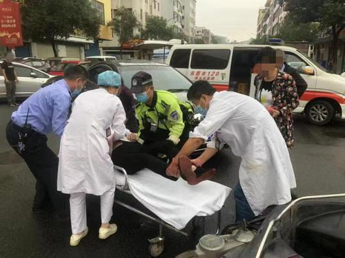 东莞樟木头警方与医院联动,快速救助交通事故伤者