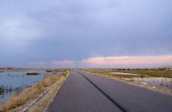 """国内""""最心酸""""的湖泊,因为盛产玛瑙而被搬空,让当地损失了20亿"""