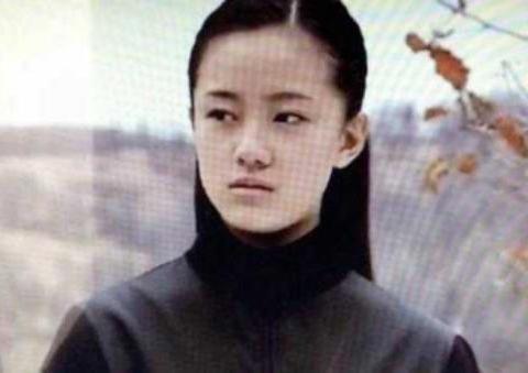 她是《马大帅》里小翠,曾红极一时,后来却与赵本山彻底分道扬镳