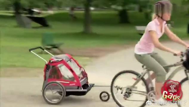 爆笑恶作剧:辣妈太粗心将婴儿车甩进湖中……