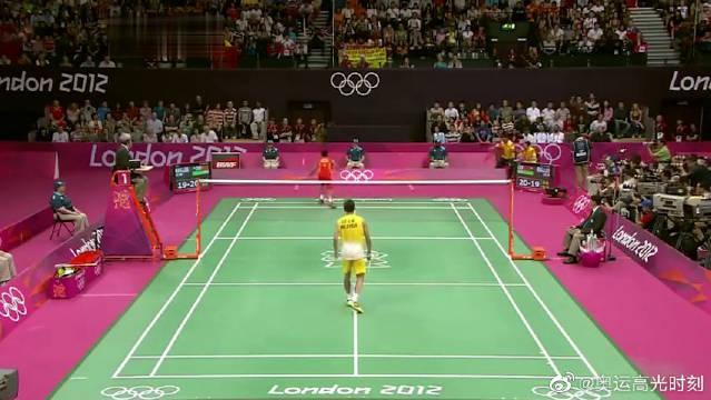 伦敦奥运会,林丹夺冠瞬间让人激动到落泪,看到李宗伟的落寞心疼