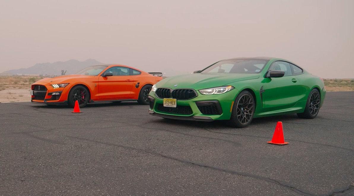 直线加速对决:福特Mustang Shelby GT500 vs 宝马M8……