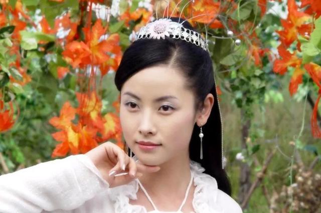 马伊琍44岁演少女,同班的她却要演霍建华师娘,颜值不输命却不同