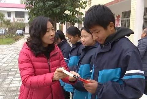新乡美女中学校长:寒冷冬日温暖帮扶、助力农村孩子,义无反顾!