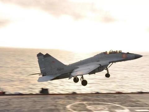 印军舰载机又掉海里了,1死1伤!这是啥原因?