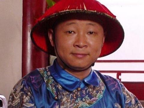 """""""三德子""""赵亮,事业巅峰时娶小16岁娇妻隐居,养鸡成亿万富豪"""
