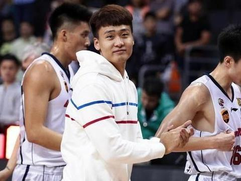 广东前三本土球员是谁?官方给出了最佳答案,曾繁日不在其中