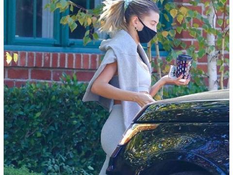 欧美街拍:海莉·比伯(Hailey Bieber)离开健身馆