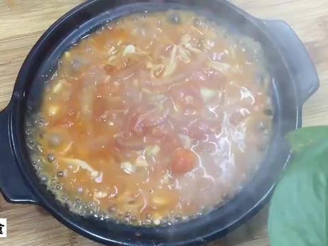 番茄金针菇的做法,汤鲜味美,超级下饭