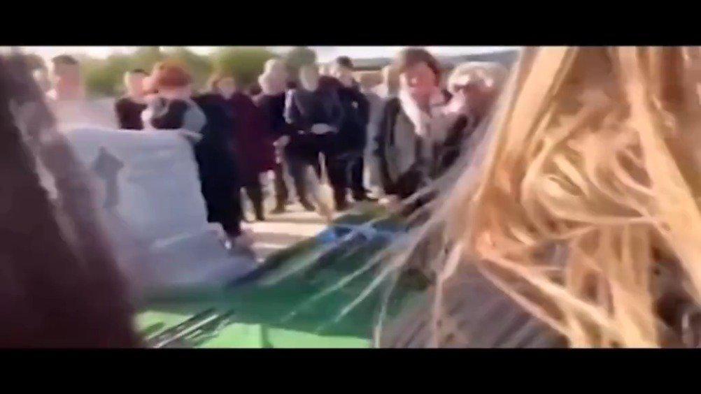 爱尔兰一名男子为自己葬礼准备的搞笑录音……