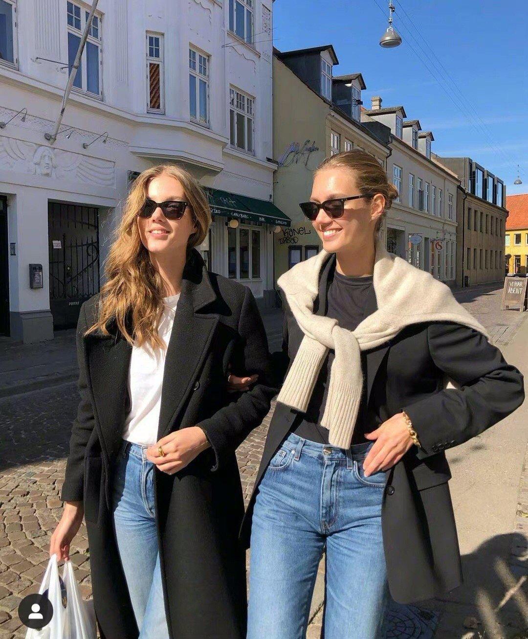 丹麦双胞胎时装模特 Amalie & Cecilie舒适惬意的穿搭日常…………