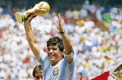 吉诺比利在阿根廷地位如何?仅他能比肩马拉多纳,梅西都还有差距