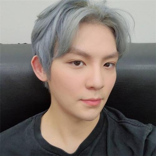 TeenTop刘昌炫明年初入伍 将于军乐队进行服役