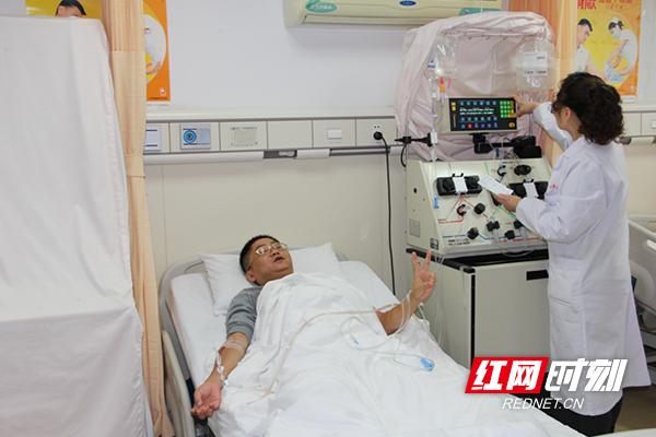 湘潭县冯华宇:一名基层公证员心中的大爱