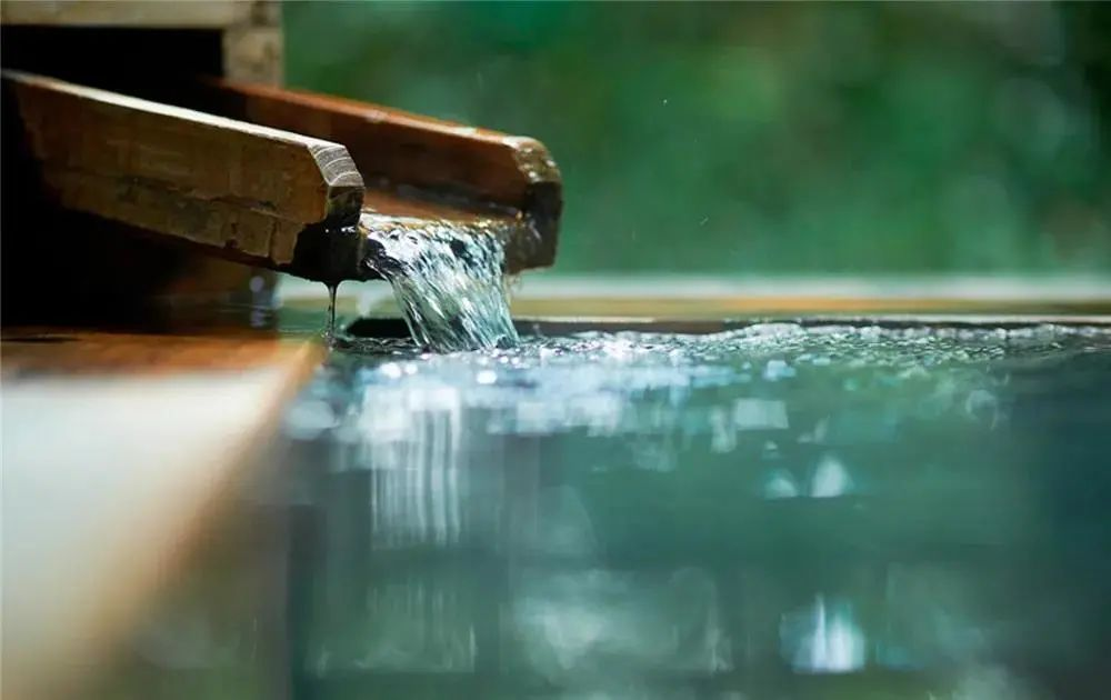 私藏的泡汤清单来了 这15家温泉酒店可以承包整个冬天