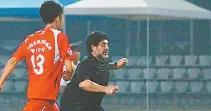 球王的足迹留在2012年北京晚报百队杯赛场上 他来过 踢过 耍过酷