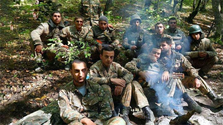 拒绝停火协议,大批亚军士兵不愿离开纳卡,或将被阿全面消灭