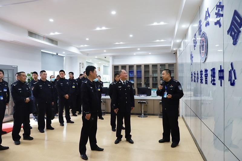 十里坪监狱政委方守漂一行到东阳市看守所、执法办案管理中心考察指导工作