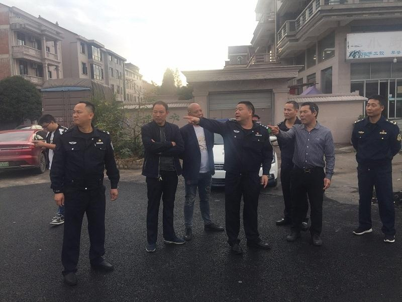 东阳市局黄黎建到交警大队检查指导交通安全隐患排查工作