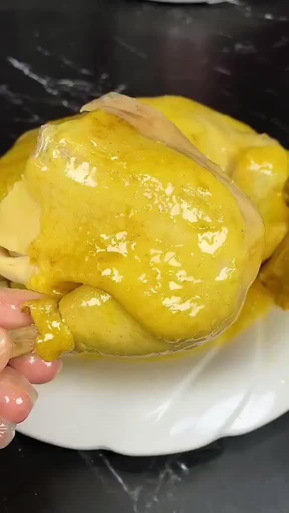 一个电饭锅就能搞定的盐焗三黄鸡……