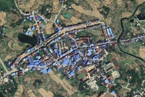 重庆垫江县北部一个中心镇,和梁平区接壤,拥有高速路出入口