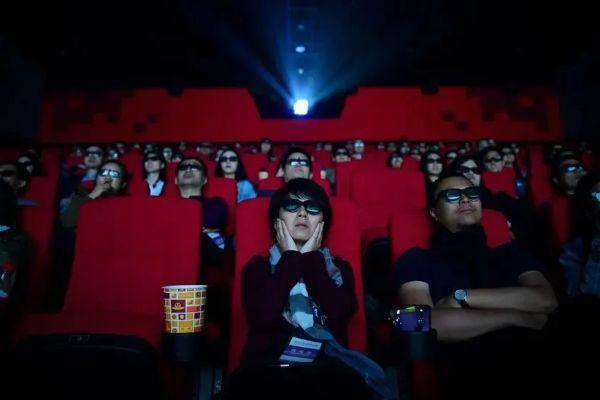 """中国电影票房成全球第一,除了管虎,还真得感谢这位""""老师傅"""""""